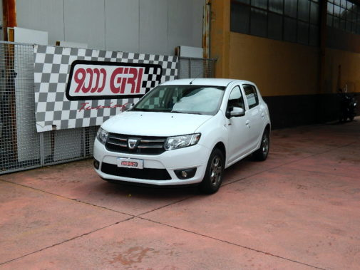 Dacia Sandero 1.2 16v powered by 9000 Giri