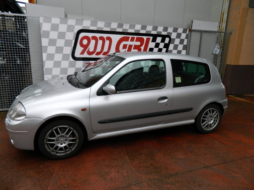 Renault Clio RS by 9000 Giri