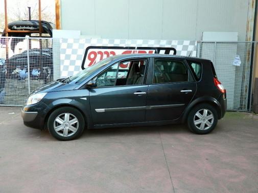 Renault Megane Scenic by 9000 Giri