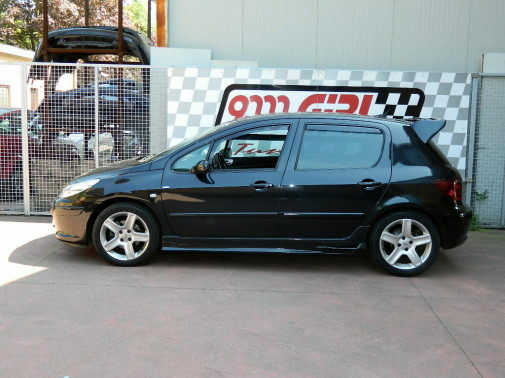 Peugeot 308 powered by 9000 Giri