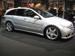 Mercedes-Benz_R-Class-AMG_Side-view