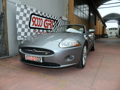 Jaguar XK powered by 9000 Giri