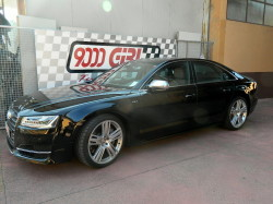 Audi S8 powered by 9000 Giri