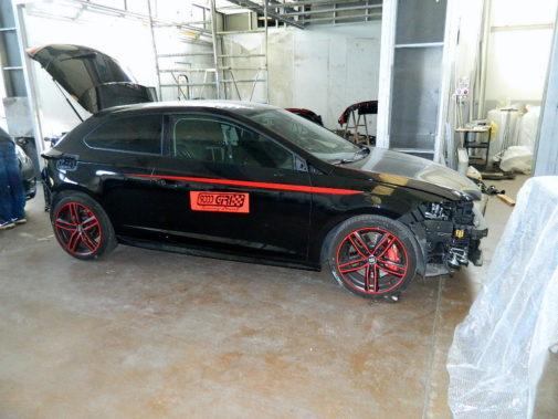 riverniciatura completa carrozzeria compreso finiture in rosso Ferrari