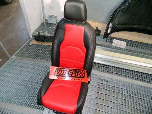 nuovi sedili e pannelli porta in pelle bibolore