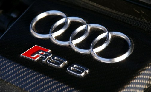 2010-audi-rs6-avant-twin-turbocharged-50-liter-v-10-engine-badge-photo-331581-s-1280x782