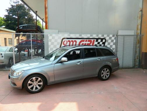 Mercedes C220 cdi powered by 9000 Giri
