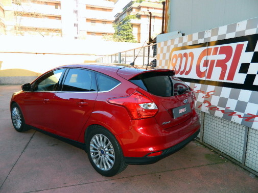 Ford Focus 1.6 16v powered by 9000 Giri
