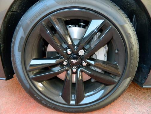 distanziali doppia bulloneria H&R Ford Mustang