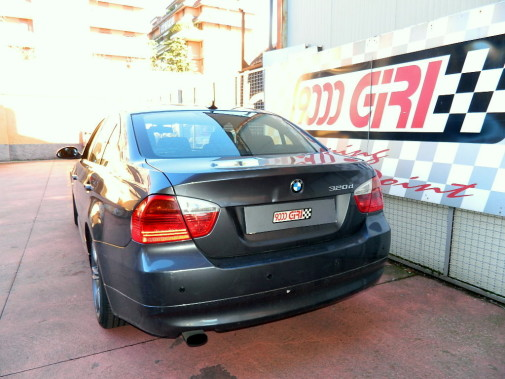 Bmw 320i powered by 9000 Giri