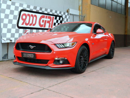 Ford Mustang V8 powered by 9000 Giri