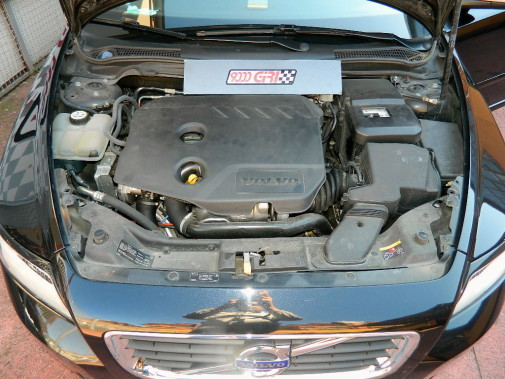 "Volvo V50 D2 ""9000 Giri Power Chip"""