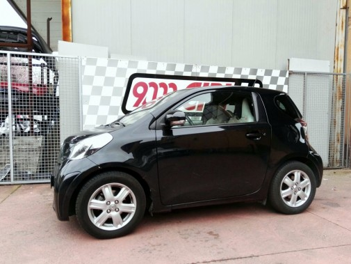 Toyota Iq powered by 9000 Giri