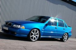 2000_volvo_s70_4_dr_glt_turbo_sedan-pic-43028-640x480