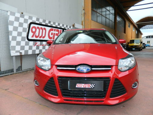 ford focus powered by 9000 giri (2)
