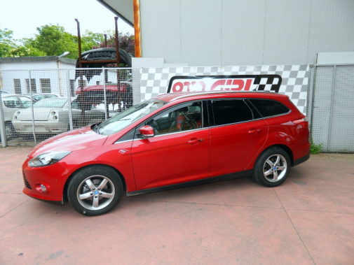 ford focus powered by 9000 giri (3)
