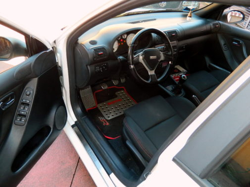 seat leon powered by 9000 giri