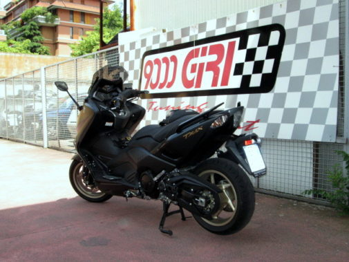Yamaha T-Max Black Max 530 powered by 9000 Giri (3)