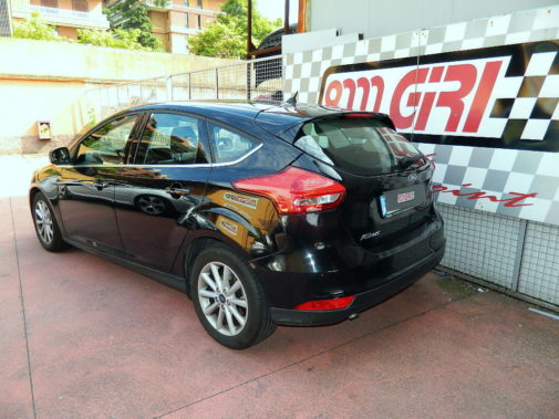 Ford Focus powered by 9000 Giri