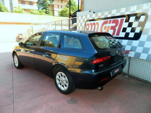 Alfa 156 2.5 V6 Compact wagon powered by 9000 Giri