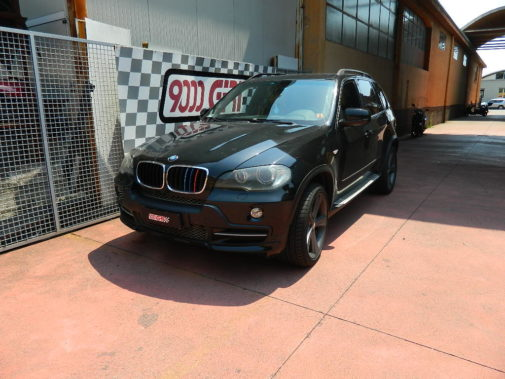 Bmw X5 3.0 td powered by 9000 Giri