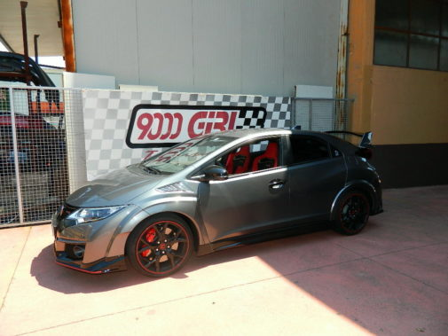 Honda Civic Type R powered by 9000 Giri
