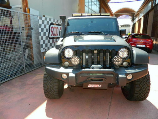 Jeep Wrangler Jk Unlimited 3.6 powered by 9000 giri