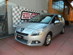 Peugeot 5008 1.6 hdi powered by 9000 Giri