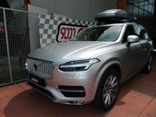 Volvo Xc 90 powered by 9000 Giri
