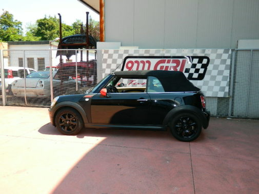 Mini Cooper cabrio powered by 9000 Giri
