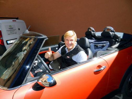 Mini Cooper S JcW Cabrio powered by 9000 Giri