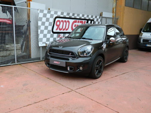 mini-countryman-2-0-sd-alla4-powered-by-9000-giri
