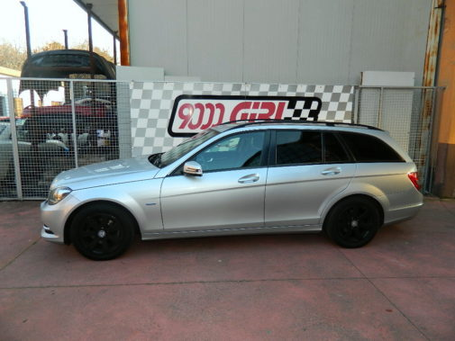 Mercedes C200cdi powered by 9000 Giri