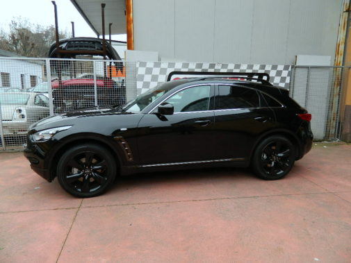Infiniti Qx 3.0 td powered by 9000 Giri