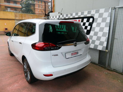 Opel Zafira 1.4 Tourer powered by 9000 Giri