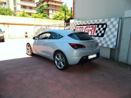 Opel Astra 2.0 tdi Gtc powered by 9000 Giri