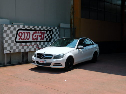 Mercedes C220 Cdi powered by 9000 Giri