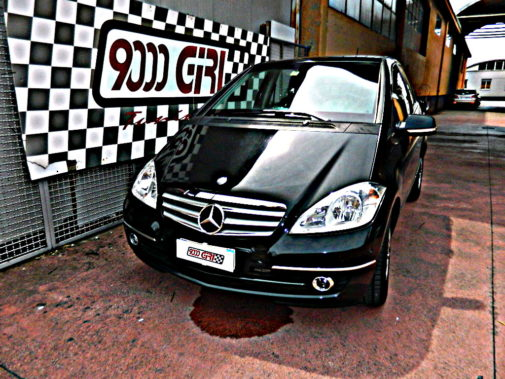 Mercedes Benz A 180 cdi powered by 9000 Giri