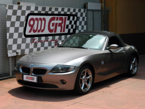 Bmw Z4 2.0i powered by 9000 Giri