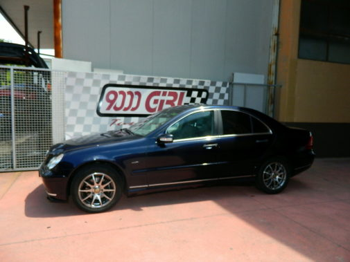 Mercedes C180 powered by 9000 Giri