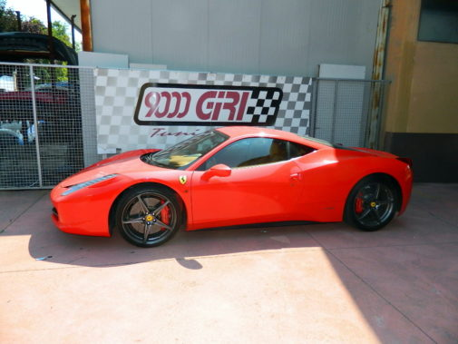 Ferrari 458 powered by 9000 Giri