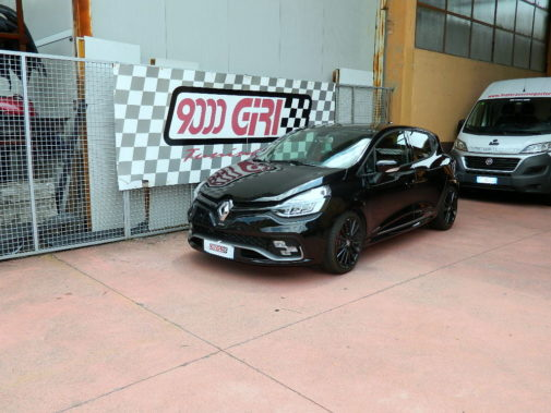 Renault Clio Rs Trophy powered by 9000 Giri