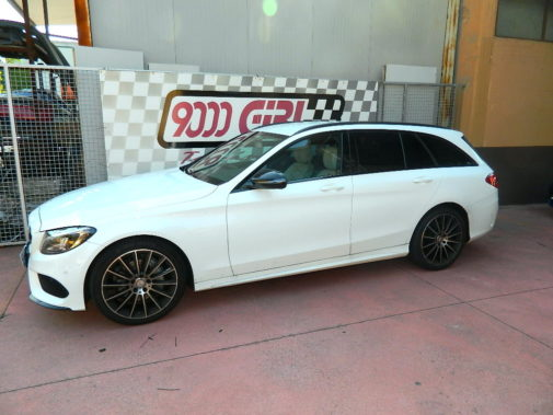 Mercedes C220cdi powered by 9000 Giri