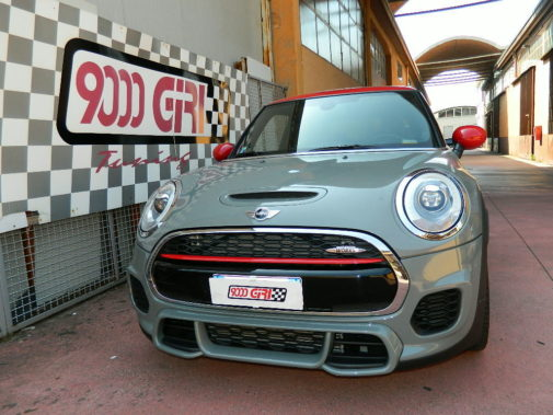 Mini Cooper S Jcw powered by 9000 Giri
