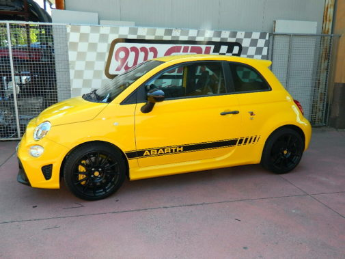 Fiat 500 Abarth 595 Competizione powered by 9000 Giri