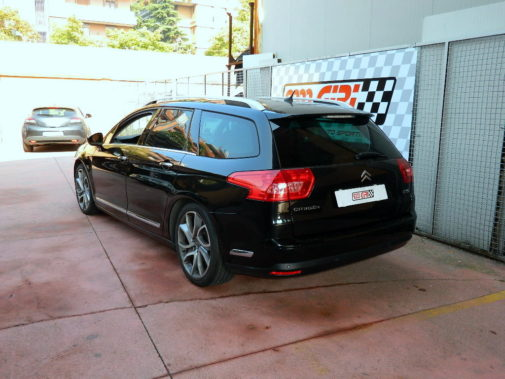 Citroen C5 Sport Tourer 2.0 Hdi powered by 9000 Giri