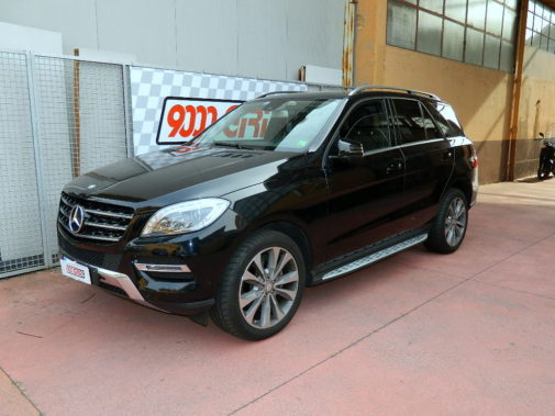 Mercedes Ml 250 cdi powered by 9000 Giri