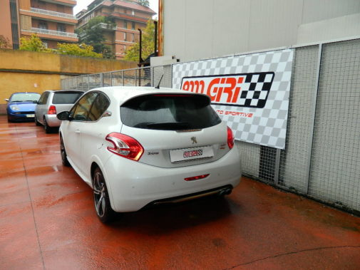 Peugeot 208 gti 200 cv powered by 9000 Giri