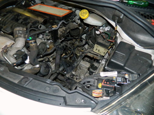 Peugeot 207 1.6 thp powered by 9000 Giri