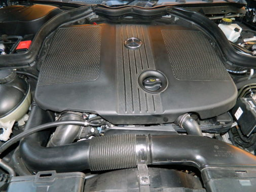 Mercedes Benz E 250 cdi powered by 9000 Giri